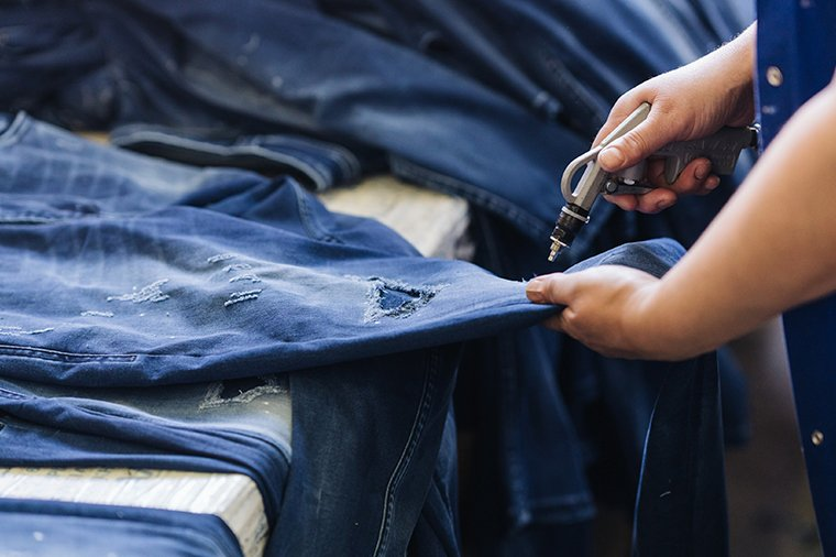 Handmade-Jeans-Treatment-Denim